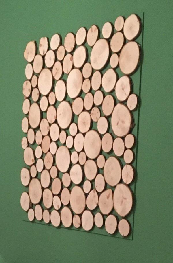 Wandbild mit Zirbenbaumscheiben