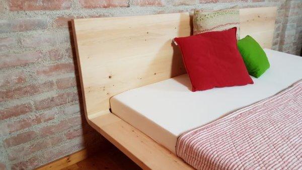 Zirbenbett modern mit Breitem Seitenrand