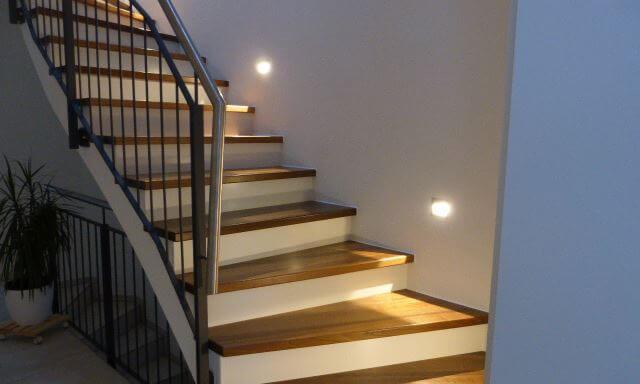 Treppenstufen in Eiche geräuchert