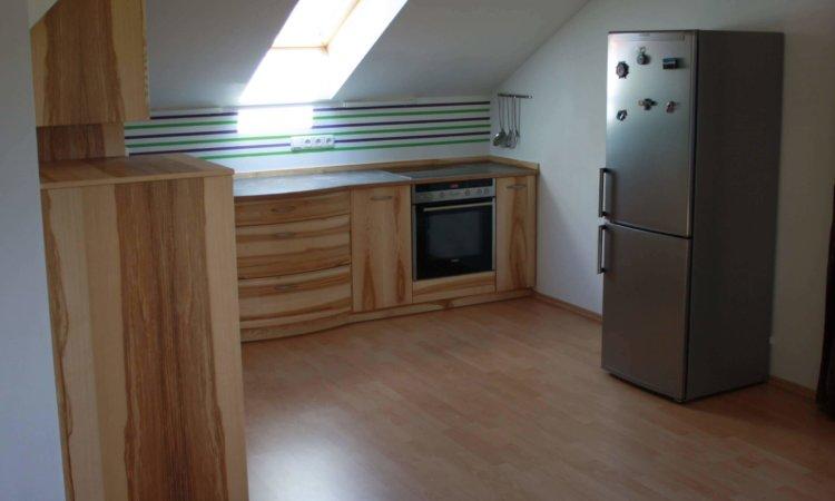 Dachgeschoss Küche Esche mit Kern