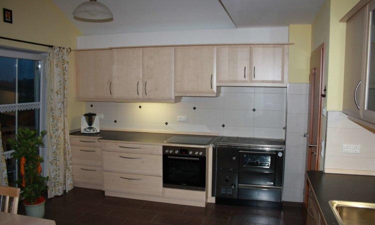 Küche Ahorn mit Holzofen