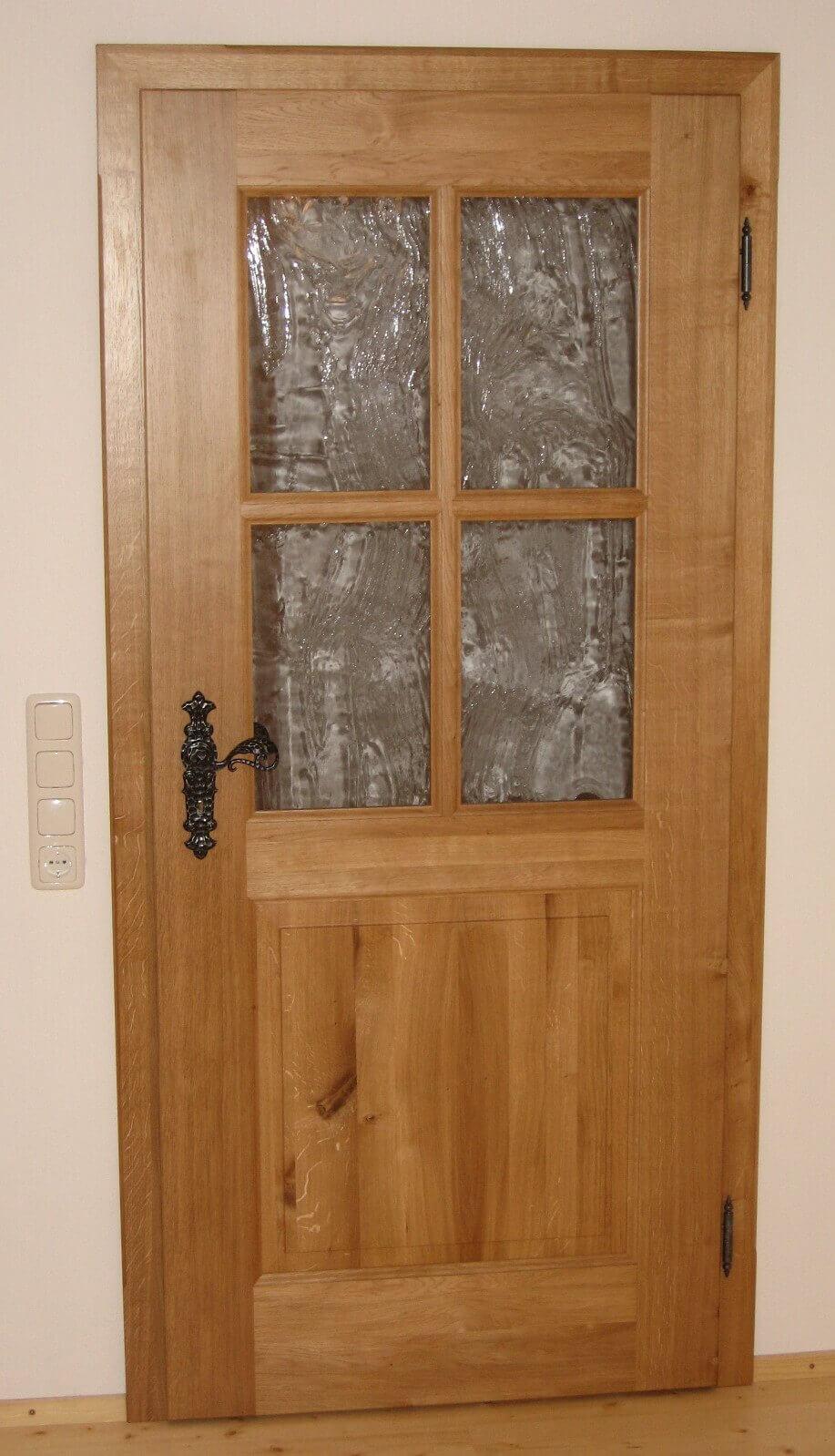 Zimmertüre mit Glas