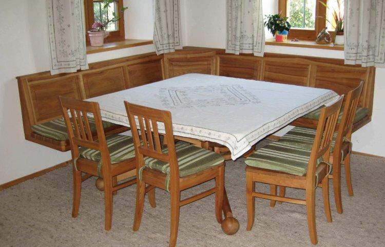 Kirschbaum Tisch Stühle und Eckbank ohne Füße