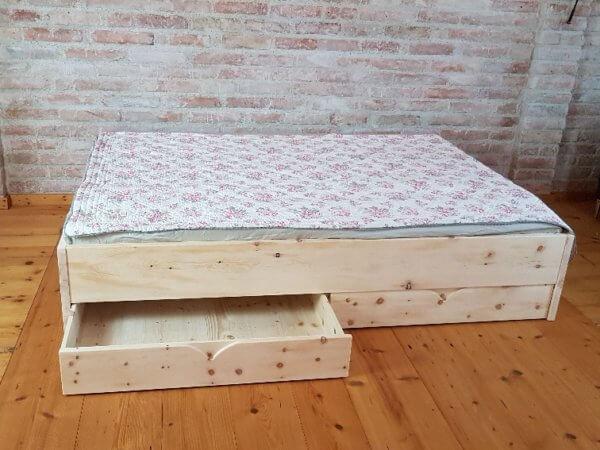 Bettschubladen für Zirbenbett