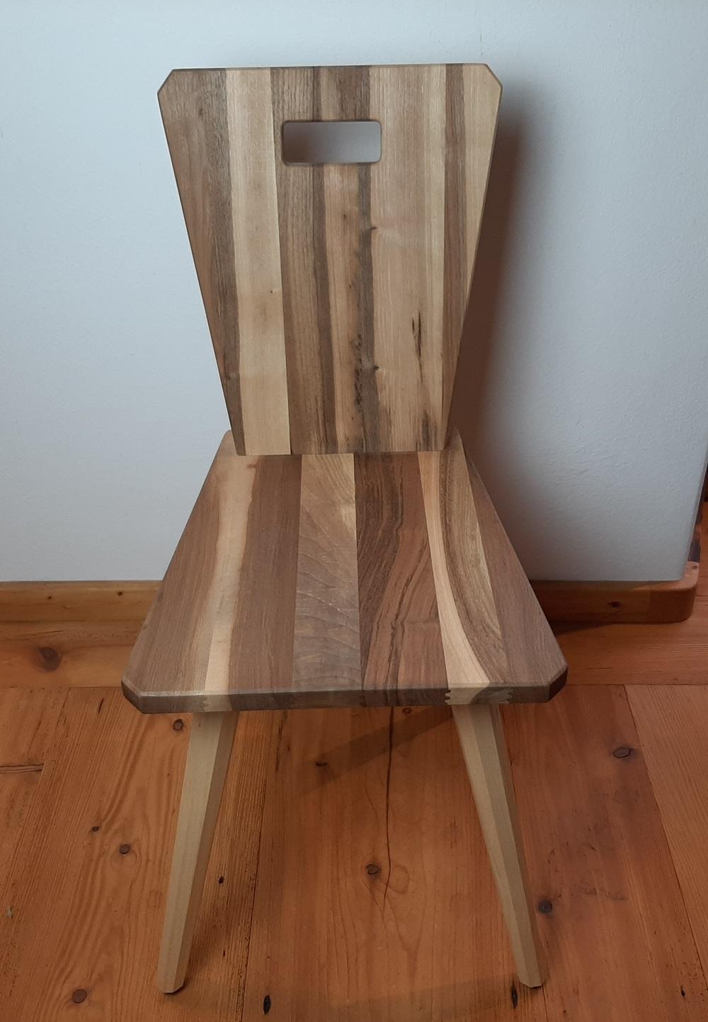 Stuhl Nußbaum